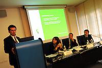 """COOP for Kyoto.."""" Risparmia le energie """" . Premiazione dei Fornitori di prodotto a marchio Coop che hanno avviato azioni volte a migliorare la propria efficienza energetica e a ridurre le emissioni di CO2.Sig. Avio Paganini .Energy Manager e Responsabile Sistema Gestione Ambientale - Grandi Salumifici Italiani."""