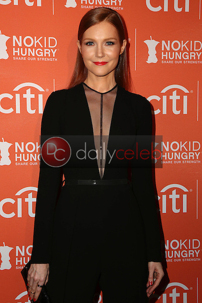 Darby Stanchfield<br /> at the No Kid Hungry Benefit Dinner, Four Seasons, Los Angeles, CA 10-14-15<br /> David Edwards/DailyCeleb.Com 818-249-4998