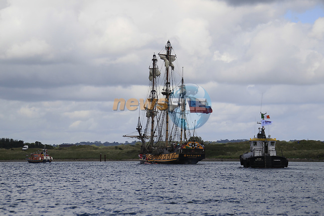 As the Tall ship enter the river boyne on there way up river to Drogheda for the Irish Maritime festival, Drogheda, Co Louth.<br /> Picture Newsfile | Fran Caffrey