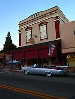Cruise Night Down Town Mariposa Ca._gallery