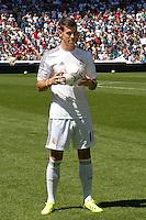 MADRI, ESPANHA, 02.09.2013 - APRESENTACAO BALE NO REAL MADRID - &nbsp;<br />  Segunda maior transfer&ecirc;ncia da hist&oacute;ria (cerca de 90 milh&otilde;es de euros), Gareth Bale &eacute; apresentado no Real Madrid no Estadio Santiago Bernabeu em Madri capital da Espanha nesta segunda-feira, 02. (Foto: Alex / Alfaqui / Brazil Photo Press).