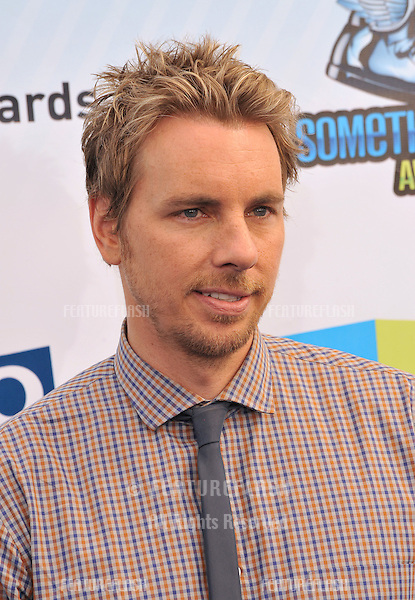 Dax Shepard at the 2012 Do Something Awards at Barker Hangar. Santa Monica Airport..August 19, 2012  Santa Monica, CA.Picture: Paul Smith / Featureflash
