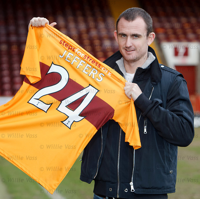 Francis Jeffers signs on at Motherwell