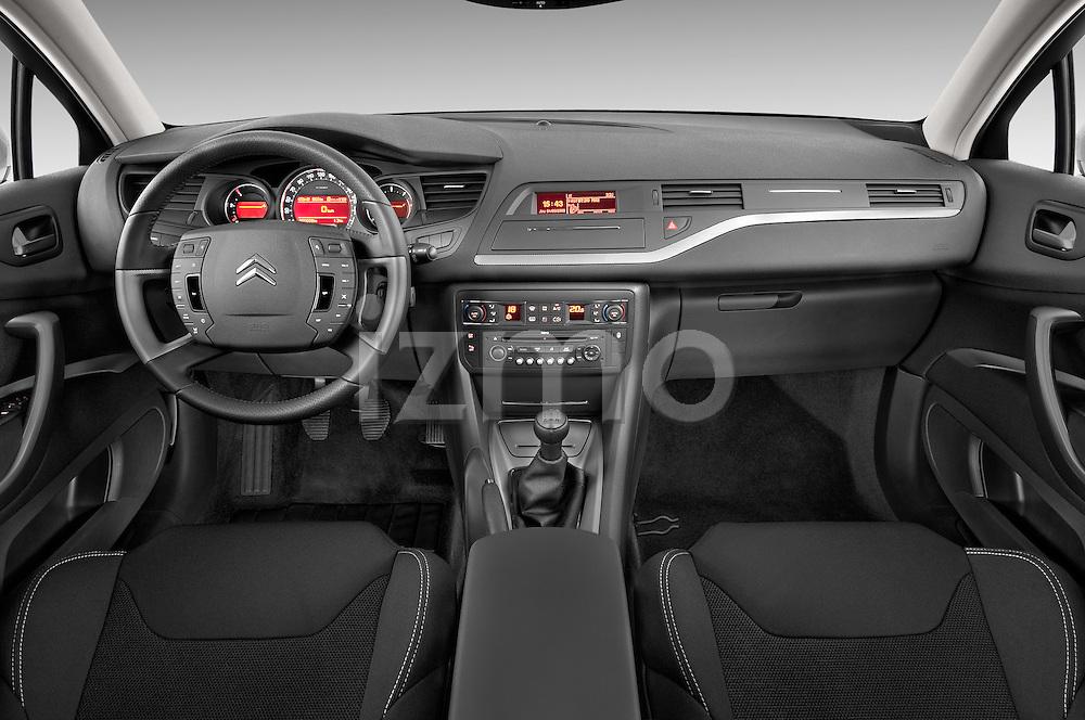 Straight dashboard view of a 2010 Citroen C5 Confort 4 Door Sedan 2WD