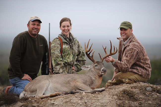 WHITETAILED DEER HUNTING..Hunting  in Duval County Texas