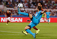 Calcio, Champions League, Gruppo E: Roma vs Barcellona. Roma, stadio Olimpico, 16 settembre 2015.<br /> FC Barcelona&rsquo;s Jordi Alba, foreground, is challenged by Roma&rsquo;s Mohamed Salah during a Champions League, Group E football match between Roma and FC Barcelona, at Rome's Olympic stadium, 16 September 2015.<br /> UPDATE IMAGES PRESS/Riccardo De Luca