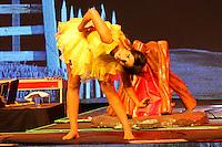 """SÃO PAULO, SP - 14.02.2014 - SHOW PAULA FERNANDES - A cantora Paula Fernandes, durante show que faz parte da nova turnê """"Um Ser Amor"""", realizado na noite desta sexta feira (14) no Citibank Hall, zona sul da capital paulista. (Foto: Geovani Velasquez / Brazil Photo Press)."""