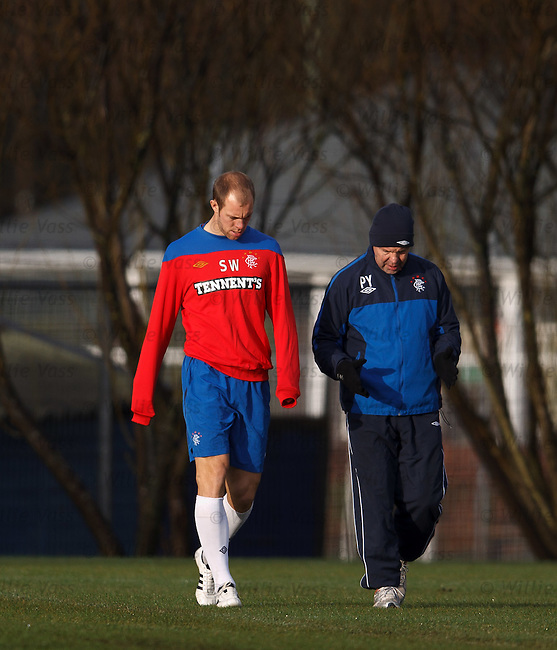 Steven Whittaker training with physio Pip Yeates