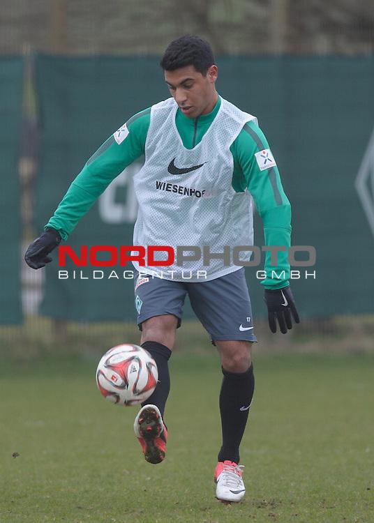 25.03.2015, Trainingsgelaende, Bremen, GER, 1.FBL, Training Werder Bremen, im Bild &Ouml;zkan / Oezkan Yildirim (Bremen #17)<br /> <br /> Foto &copy; nordphoto / Frisch