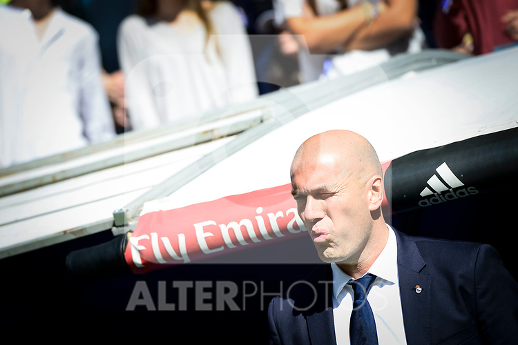 Real Madrid's coach Zinedine Zidane during La Liga match between Real Madrid and Deportivo Alaves at Stadium Santiago Bernabeu in Madrid, Spain. April 02, 2017. (ALTERPHOTOS/BorjaB.Hojas)