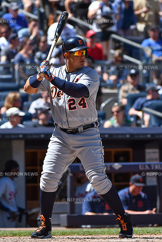 Miguel Cabrera (Tigers),<br /> JUNE 12, 2016 - MLB :<br /> Miguel Cabrera of the Detroit Tigers during the Major League Baseball game against the New York Yankees at Yankee Stadium in the Bronx, New York, United States. (Photo by Hiroaki Yamaguchi/AFLO)