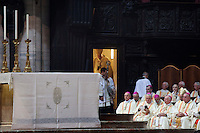 Milano: il nuovo arcivescovo di Milano Angelo Scola durante la messa