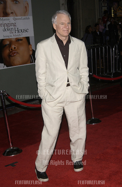 Actor STEVE MARTIN at the Hollywood premiere of his new movie Bringing Down The House..02MAR2003.  © Paul Smith / Featureflash