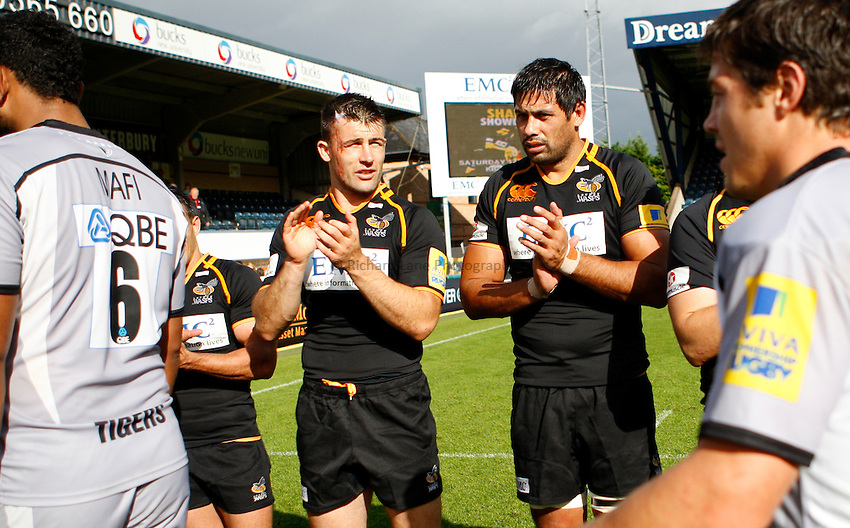 Photo: Richard Lane/Richard Lane Photography. London Wasps v Leicester Tigers. 11/09/2011. Wasps' Chris Bell and Ross Filipo.
