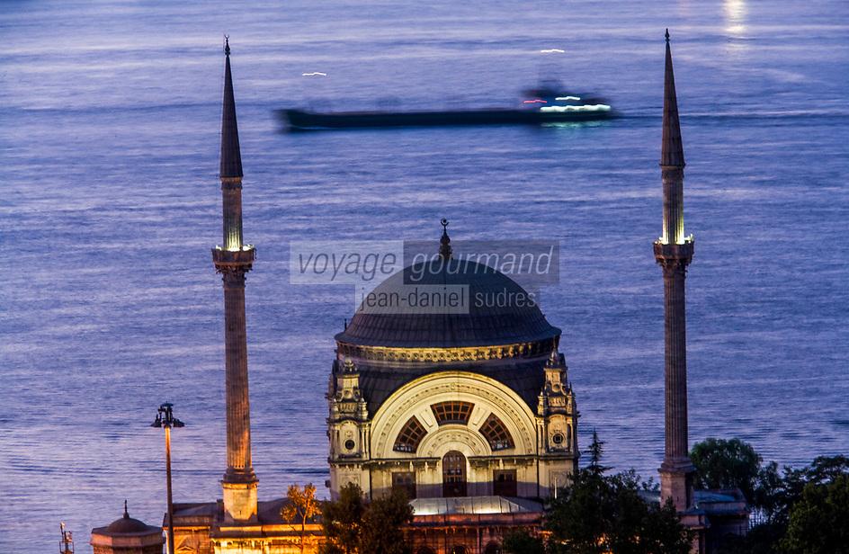 Europe/Turquie/Istanbul :  Mosquée du Palais de Dolmabahçe, Mosquée Besmi- Alem Sultan
