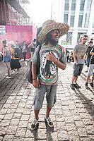 SÃO PAULO, SP - 23.05.2015 - MARCHA MACONHA - SP - Manifestantes em prol da legalização da maconha realizam ato na Avenida Paulista neste sábado 23. (Foto: Douglas Pingituro / Brazil Photo Press)