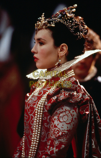 Queen Margot (1994) <br /> (La reine Margot)<br /> Isabelle Adjani<br /> *Filmstill - Editorial Use Only*<br /> CAP/KFS<br /> Image supplied by Capital Pictures