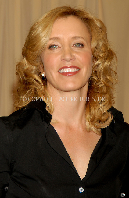 WWW.ACEPIXS.COM . . . . . ....January 26, 2007, New York City. ....Felicity Huffman signs Copies of her Book 'A Practical Handbook for the Boyfriend' at Barnes & Noble.   ....Please byline: KRISTIN CALLAHAN - ACEPIXS.COM.. . . . . . ..Ace Pictures, Inc:  ..(212) 243-8787 or (646) 769 0430..e-mail: info@acepixs.com..web: http://www.acepixs.com