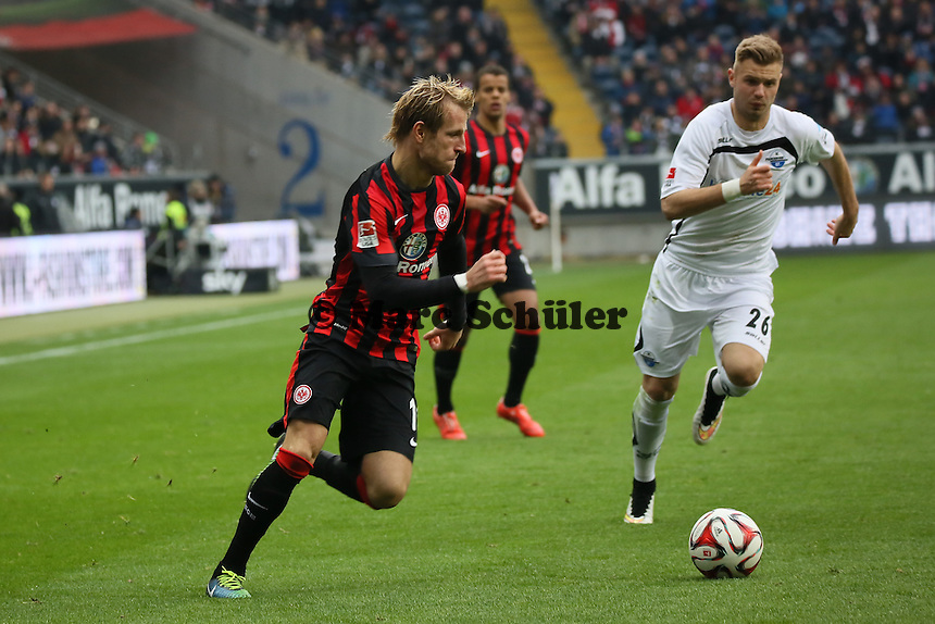 Stefan Aigner (Eintracht) gegen Florian Hartherz (Paderborn) - Eintracht Frankfurt vs. SC Paderborn 07, Commerzbank Arena