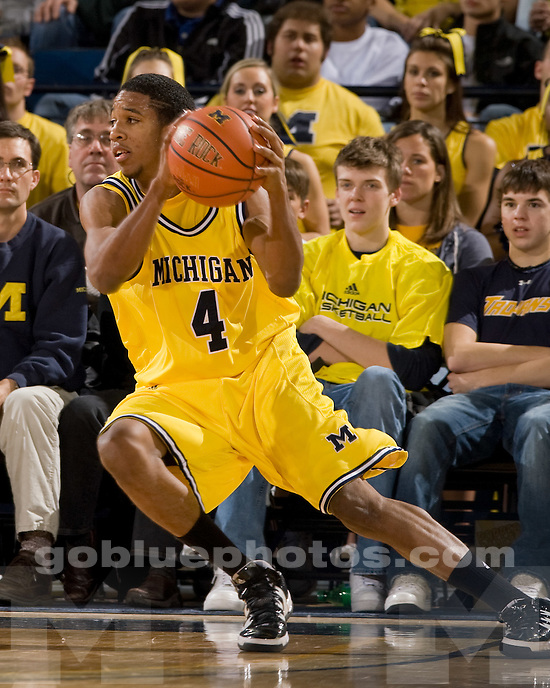 University of Michigan basketball (men) 73-64 victory over Ohio State at Crisler Arena on 1/3/10.