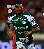MEDELLÍN-COLOMBIA, 06-11-2019: Danny Rosero de Deportivo Cali, celebra el gol anotado a Deportivo Independiente Medellín, durante partido de vuelta entre Deportivo Independiente Medellín y Deportivo Cali, por la final de la Copa Águila 2019, en el estadio Atanasio Girardot de la ciudad de Medellín. / Danny Rosero of Deportivo Cali, celebrates a scored goal to Deportivo Independiente Medellin during a match of the second leg between Deportivo Independiente Medellin and Deportivo Cali, for the final of the Aguila Cup 2019 at the Atanasio Girardot stadium in Medellin city. / Photo: VizzorImage  / León Monsalve / Cont.