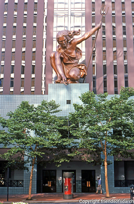Michael Graves: Portland Building, 5th Ave. entrance. Sculpture by Raymond Kaskey. Photo '86.