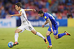 (L-R) Genki Haraguchi (JPN), Tristan Do (THA), SEPTEMBER 6, 2016 - Football / Soccer : FIFA World Cup Russia 2018 Asian Qualifier Final Round Group B match between Thailand 0-2 Japan at Rajamangala National Stadium, Bangkok, Thailand. (Photo by Yusuke Nakanishi/AFLO SPORT)