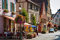France, Alsace, Haut-Rhin, Rouffach: old town, restaurant | Frankreich, Elsass, Haut-Rhin, Rouffach: Altstadt, Restaurant