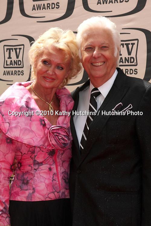 Jack Jones & Wife.arrives at the 2010 TV Land Awards.Sony Studios.Culver City, CA.April 17, 2010.©2010 Kathy Hutchins / Hutchins Photo...