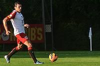 SAO PAULO, 10 DE JUNHO DE 2013 - TREINO SAO PAULO - O jogador Lucio durante treino do Sao Paulo, no CT da Barra Funda, na tarde desta segunda feira, 10, região oeste da capital. (FOTO: ALEXANDRE MOREIRA / BRAZIL PHOTO PRESS)