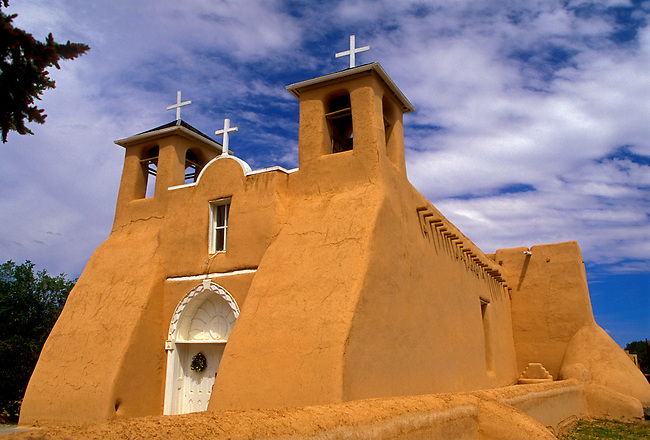 San Francisco de Asis Church, Ranchos de Taos, New Mexico, United States, North America