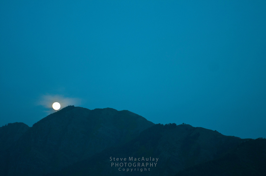 Moonrise, Srinagar, Kashmir, India.