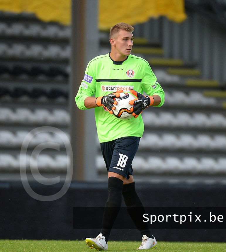 20150807 - ROESELARE, BELGIUM: Seraing's goalkeeper Maxime Mignon pictured during the Proximus League match between KSV Roeselare and RFC Seraing , in Roeselare , Friday 7 August 2015, on the 1st day of the Belgian second division soccer championship. PHOTO DAVID CATRY