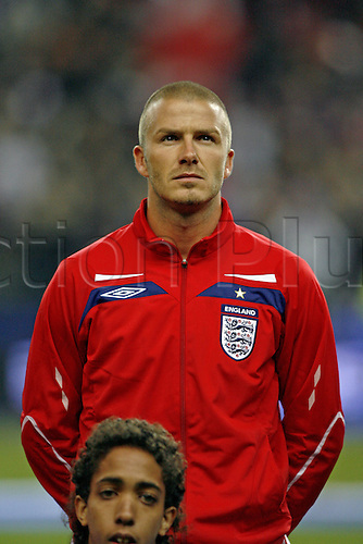 26 March 2008: Portrait of England midfielder David Beckham, making his 100th appearance for England, in the line-up before the International Friendly game between France and England, played at Stade de France, Paris. France won the game 1-0. Photo: Neil Tingle/Actionplus....080326 football soccer player