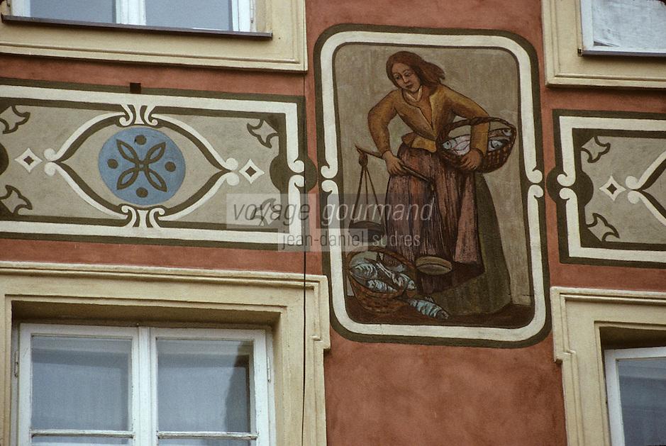 Europe/Pologne/Varsovie: Détail de la façade d'une maison de la vieille ville