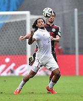 FUSSBALL WM 2014  VORRUNDE    GRUPPE G USA - Deutschland                  26.06.2014 Jermaine Jones (li, USA) gegen Mats Hummels (re, Deutschland)
