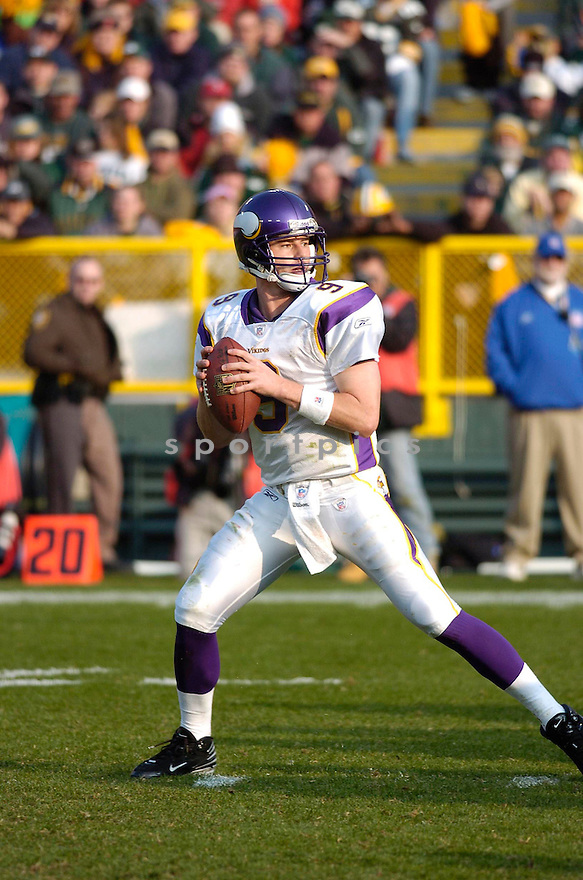 BROOKS BOLLINGER, of the Minnesota Vikings, in action during the Vikings game against the Green Bay Packers on November 11, 2007 in Green Bay, Wisconsin...Packers win 34-0...SportPics