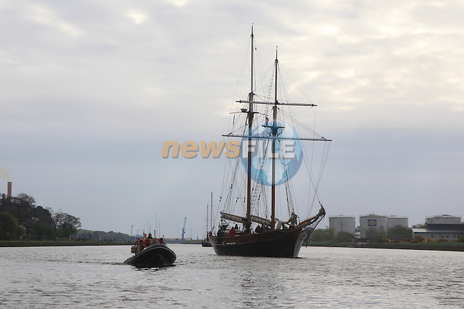 .at the Tall Ships on the North Quay part of the Drogheda Fringe and Maritime Festival..Picture:  www.newsfile.ie ..