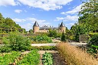 France, Loiret (45), Chilleurs-aux-Bois, château de Chamerolles et jardins d'inspiration renaissance, ici, un des deux carrés dédié au potager