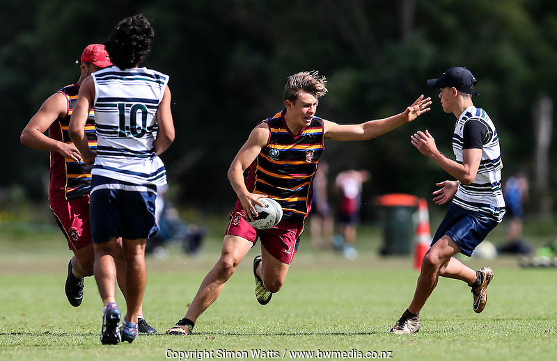 Action from New Zealand Secondary Schools 2016 Touch National Championship finals at Bruce Pullman Park in Papakura, New Zealand on Sunday, 11 December 2016. Photo: Simon Watts / www.bwmedia.co.nz