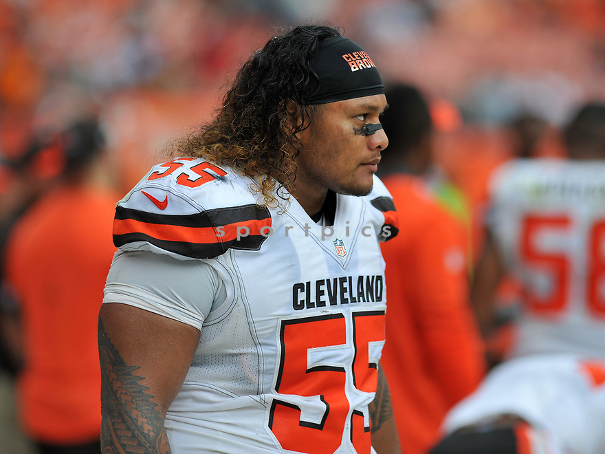 CLEVELAND, OH - JULY 18, 2016: Defensive tackle Danny Shelton #55 of the Cleveland Browns watches the action from the sideline in the third quarter of a game against the Baltimore Ravens on July 18, 2016 at FirstEnergy Stadium in Cleveland, Ohio. Baltimore won 25-20. (Photo by: 2017 Nick Cammett/Diamond Images)  *** Local Caption *** Danny Shelton(SPORTPICS)