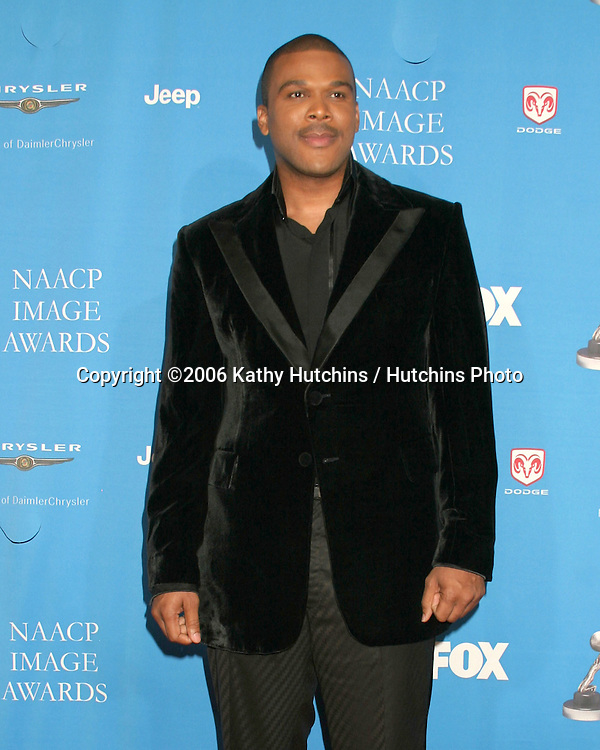 Tyler Perry.37th NAACP Image Awards.Shrine Auditorium.Los Angeles, CA.February 25, 2006.©2006 Kathy Hutchins / Hutchins Photo....                 V