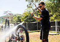 Picture by Alex Broadway/SWpix.com - 10/09/17 - Cycling - UCI 2017 Mountain Bike World Championships - Downhill - Cairns, Australia - Mechanic Kenny Wintersgill