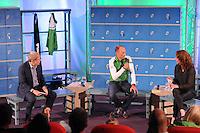 SCHAATSEN: HOOGEVEEN: Hoofdkantoor TVM verzekeringen, 18-10-2013, TVM perspresentatie, Frits Barend, Gerard Kemkers (hoofdtrainer/coach), Barbara Barend, ©foto Martin de Jong