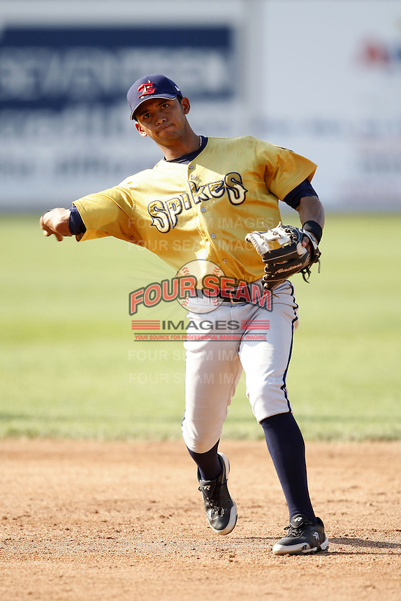June 24, 2009:  Infielder Freicer Pedron of the State College Spikes during a game at Eastwood Field in Niles, OH.  The Spikes are the NY-Penn League Short-Season A affiliate of the Pittsburgh Pirates.  Photo by:  Mike Janes/Four Seam Images