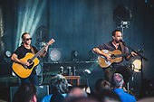 DAVE MATTHEWS AND TIM REYNOLDS, 2017, CHRIS SCHWEGLER