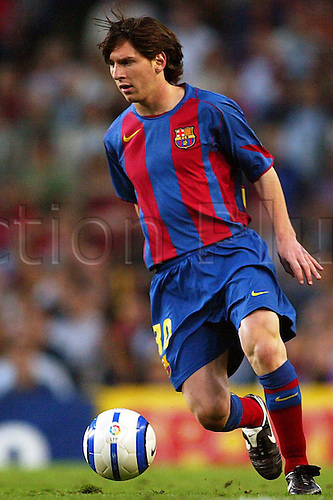 01.05.2005  Lionel Messi (FC Barcelona) on the  Ball;
