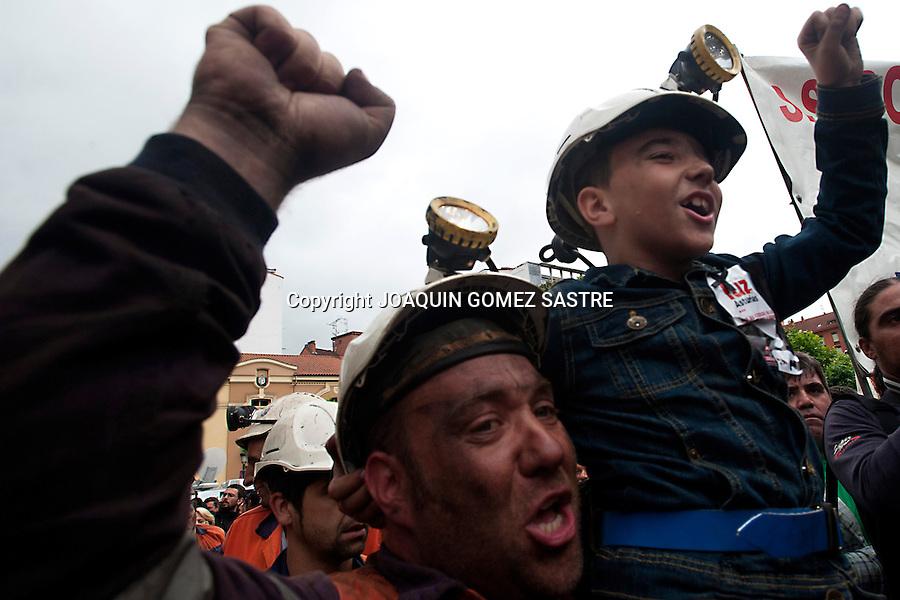 18 JUNIO 2012.LANGREO-ASTURIAS.manifestacion de los mineros en langreo asturias