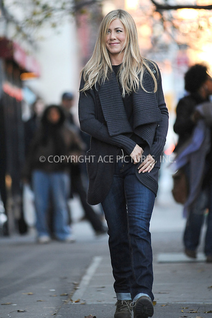 WWW.ACEPIXS.COM . . . . . .November 19, 2010...New York City...Actress Jennifer Aniston filming Wanderlust on November 19, 2010  in New York City....Please byline: KRISTIN CALLAHAN - ACEPIXS.COM.. . .Ace Pictures, Inc: ..tel: (212) 243 8787 or (646) 769 0430..e-mail: info@acepixs.com..web: http://www.acepixs.com .
