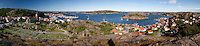 Sweden, Vaestra Goetaland County, Fjaellbacka: Panorama of harbour and town | Schweden, Vaestra Goetalands laen, Fjaellbacka: Panorama von Stadt und Hafen